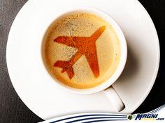 ¿Aviones hasta en el café? ¡Te urgen unas vacaciones!