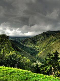 Montañas cercanas a Cali ... Foto:  Richard F. O'Connor