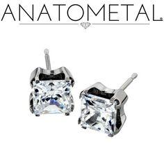 - Princess Earrings - ANATOMETAL - Professional Grade Body Piercing Jewelry