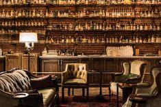 Transformación de un obscuro Bar en un asombroso lugar dentro de Madrid – Todo Fachadas Whiskey Lounge, Whiskey Room, Brewery Design, Restaurant Design, Restaurant Ideas, Cafe Bar, Coffee Shop, Italian Bar, Speakeasy Bar
