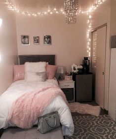 40 cute bedroom ideas for small rooms dorm room inspiration House Rooms, Room Inspiration, Small Room Bedroom, Apartment Decor, Room Decor, Small Bedroom, Dorm Room Decor, Bedroom Decor, Dream Rooms