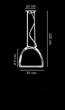 Nur Metamorf 3 de Artemide.Lámpara de techo con forma de cúpula alargada. Usa dos sistemas de difusión luminosa: Tres fuentes luminosas halógenas con filtros dicroicos en rojo, verde y azul y una fuente luminosa halógena blanca. Diseñador: Ernesto Gismondi