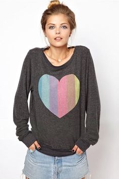 Peach Heart Print Grey O-neck Long Sleeves Pullover Sweatshirt
