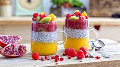 4 Incredible Health Benefits of Chia Seeds: Video - HealthiNation Best Smoothie Recipes, Good Smoothies, Apple Smoothies, Turmeric Smoothie, Healthy Foods To Eat, Healthy Snacks, Healthy Recipes, Muesli Bio, Yogurt