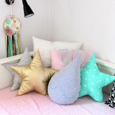 Poduszka GWIAZDKA złota ekoskóra - MintyStar - Poduszki dla dzieci Backrest Pillow, Dinosaur Stuffed Animal, Throw Pillows, Toys, Bed, Activity Toys, Toss Pillows, Cushions, Stream Bed