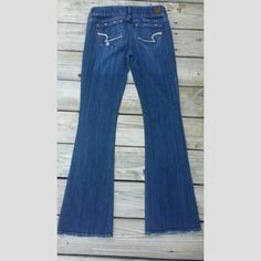 American Eagle jeans Artist Distressed Jeans Regular length American Eagle Outfitters Jeans Boot Cut
