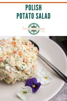 Potato salad is potato salad you might say. I'm here to tell you, my friends, that the little things make quite a difference. Polish Recipes, Polish Food, Salad Recipes, Coleslaw Recipes, Polish Easter, Great Recipes, Favorite Recipes, Crazy Kitchen, Lent