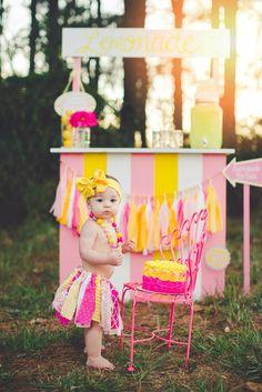 Lemonade birthday pictures Smash cake pictures girls birthday first birthday
