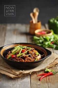 52 Trendy Ideas For Asian Food Photography Inspiration Food Design, Indian Food Recipes, Asian Recipes, Dark Food Photography, Photography Composition, Photography Aesthetic, Photography Lighting, Bar Restaurant Design, Photo Food