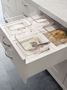 Future Home Interior Divided bins for a baking zone are a must in a dream kitchen and area especially useful in the island.Future Home Interior Divided bins for a baking zone are a must in a dream kitchen and area especially useful in the island. Kitchen Ikea, Kitchen Pantry, New Kitchen, Kitchen Decor, Smart Kitchen, Organized Kitchen, Bakers Kitchen, Country Kitchen, Hidden Kitchen