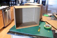Reciclado Caja de cartón para la casa de muñecas DIY por ventanita roja
