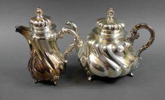 Mokka- und Teekanne, Barockform, Silber 925, Handarbeit, Meistermarke Emil Hermann, Waldstetten, Deutsch um 1920/30, ges. 1450 g, Höhen ca. ...
