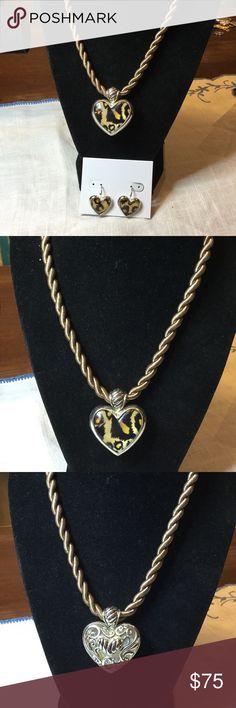 """New without tags Animal print jewelry set..Macy's Purchased from Macy's and never been worn..necklace measures 10"""" drop and earrings are 1"""" drop macys Jewelry"""