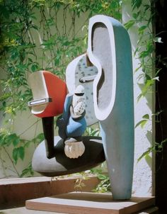 Le Corbusier sculpture