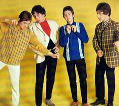 I've never seen this pic of the Small Faces before!