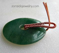 How to dress up a Donut bail.  #Wire #Jewelry #Tutorials
