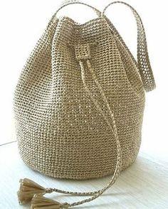 Shoulder bag knitted with Eco-Coanda (gold) Crochet Tote, Crochet Handbags, Crochet Purses, Free Crochet, Gold Shoulder Bags, Macrame Bag, Boho Bags, Market Bag, Knitted Bags