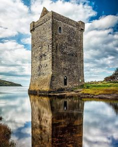 Behold a scene out of time! In 1574, as pirate sea queen Grace O'Malley inhabited Rockfleet Castle on the northern shores of Clew Bay in County Mayo, the English sent an expedition of ships and troops to put an end to her maritime exploits. The tower hous