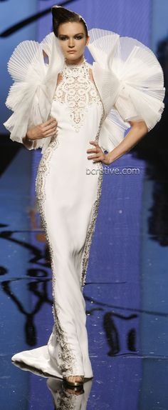 Fausto Sarli Couture - This would be a great dress minus the sleeves