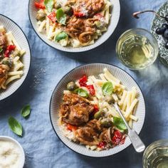 There's something extra comforting and satisfying about fatter pasta noodles. Enjoy this fresh-tasting, creamy chicken with your rigatoni with a side of wine and fruit as lighter comfort food. Chicken Rigatoni, Rigatoni Recipes, Mediterranean Chicken, Saute Onions, Pasta Noodles, Italian Pasta, Health Eating, Creamy Chicken, Best Diets