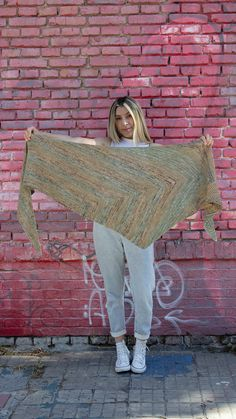 Temperance Knit Shawl - Free Printable Pattern | Garter stitch doesn't get much more gorgeous than this! The Temperance Knit Shawl takes everything you thought you knew about this basic stitch and turns it on its head. All Free Knitting, Easy Scarf Knitting Patterns, Easy Knitting Projects, Finger Knitting, Knitted Shawls, Knitted Scarves, Sock Yarn, Garter Stitch, Shawls And Wraps