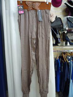 van apeteciendo los pantalones largos en maxi diez encontraras muchos y todos a 10 euros