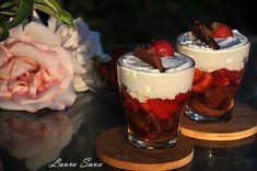 Desert la pahar cu capsuni | Retete culinare cu Laura Sava - Cele mai bune retete pentru intreaga familie Romanian Desserts, Trifle, Acai Bowl, Mousse, Delicious Desserts, Panna Cotta, Sweet Treats, Cheesecake, Deserts