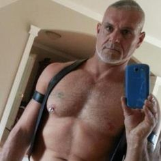 Fabrice Tremblay - selfie in leather