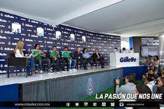 Inés Sainz, Memo Ochoa, Chicharito Hernández, Javier Aquino, Fernando Cerilla durante un evento de la firma Gillette y la Federacion Mexicana de Futbol  #seleccionmexicana #mexico #futbol #soccer #sports