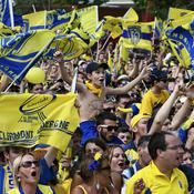 Yellow Army  02/08  Les supporters de Clermont, cette impressionnante Yellow Army, sont connus à travers toue l'Europe.