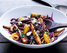 Sund rødkålssalat med persillerod, der bidrager med en masse antioxidanter.