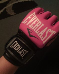 New gloves are here  #gloves #mma #boxing #personal #training #punch #pink #everlast #gloves by laurenjclapp