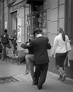 ˚Dancing in the street - Buenos Aires Just Dance, Dancer, Couple Photos, Street, People, Life, Buenos Aires, Couple Shots, Dancers