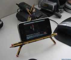 pencil-iphone-stand2