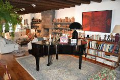 Manrique's house provides inspiration for the renovation New Travel, Decoration, Garden Furniture, Liquor Cabinet, Beach House, Outdoor Living, Storage, Table, Inspiration