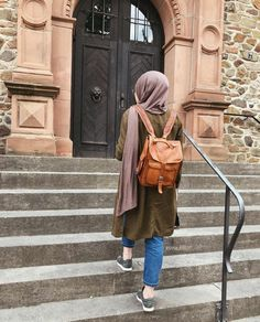 Pinterest: just4girls Abaya Fashion, Muslim Fashion, Fashion Muslimah, Modest Fashion, Beautiful Muslim Women, Beautiful Hijab, Niqab, Classy Outfits, Cute Outfits