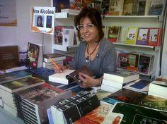 Ana Alcolea, escritora española.