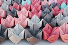 Cootie Catcher Favors | photography by http://www.blogjerry.com/