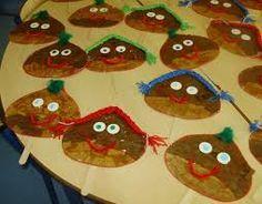 Resultado de imagem para trabalhos sobre o sao martinho Autumn Activities, Fall Crafts, Tree Skirts, Christmas Tree, Holiday Decor, Kids, Inspiration, Crib, Kindergarten