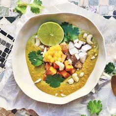 Creamy smooth curry soup with tofu, coconut and peanutbutter // Krämig och len currysoppa med tofu, kokos och jordnötssmör