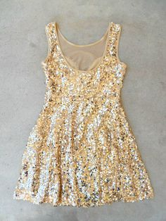 A plethora of sequins cascade over this gorgeous party dress. Frock features an illusion neckline paired with a skirt perfect for spinning. Hidden side zipper and fully lined. Cute Dresses, Beautiful Dresses, Casual Dresses, Pretty Outfits, Cute Outfits, Love Fashion, Girl Fashion, Photos Of Dresses, Holiday Outfits