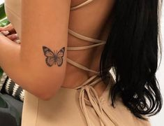 Ankle Tattoos For Women, Tiny Tattoos For Girls, Cute Tattoos For Women, Teen Girl Tattoos, Cute Simple Tattoos, Piercings, Piercing Tattoo, Elbow Tattoos, Finger Tattoos