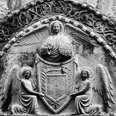 Venezia Palazzo Agnus Dei (o dei Quattro Evangelisti). Santa Croce. Timpano del portone d'ingresso.  #venezia #venice #venise #venedig #italia #italy #art #arte #scultura #sculpture #beniculturali30 #instaart #artoftheday #amazing #beatiful #ig_masterpiece #picoftheday #bestoftheday #instamood #igworldclub #photografy #follow #followme #vscocam #click_vision #loves_united_venice #ig_venice #explorevenice by zia_principessa