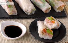 Rollitos de obleas de arroz rellenos de fideos, pavo y verduras