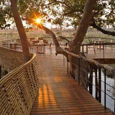 http://leemconcepts.blogspot.nl/2015/07/stijlvol-logeren-in-een-luxe-safari.html #okavango #safari #lodge #suite #afrika #botswana #africa #logeren #vakantie #outdoor #design