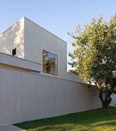 Panieira house in Brazil by Bloco Arquitetos