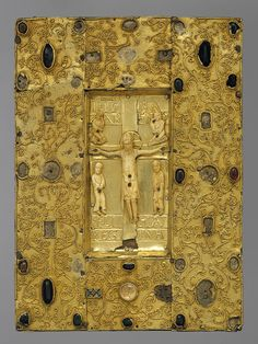 Book Cover with Byzantine Icon of the Crucifixion, Icon carved about in Constantinople; setting made before Spanish; From the Convent of Santa Cruz de la Serós, Jaca Byzantine Icons, Byzantine Art, Medieval Books, Medieval Art, Religious Icons, Religious Art, Art Roman, Les Religions, Sacred Art