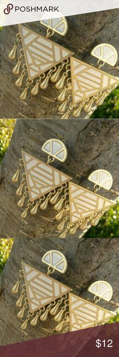 Upside down triangle dangles Beautiful vintage style earrings. Post back. Simply cute and unique. Excellent condition. Jewelry Earrings