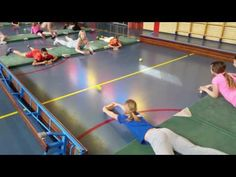 les 5 levend air hockey - YouTube Physical Education Activities, Elementary Physical Education, Elementary Pe, Pe Activities, Health And Physical Education, Team Building Activities, Movement Activities, Fitness Games For Kids, Gym Games For Kids