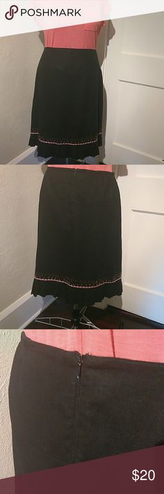 "Linen and Rayon skirt Lovely linen skirt with pleated bottom.  Beaded with a pink And white trim.  Has a 6"" back zipper and small side gathering with elastic. Waist 35"" length 24"" Hearts of Palm Skirts A-Line or Full"